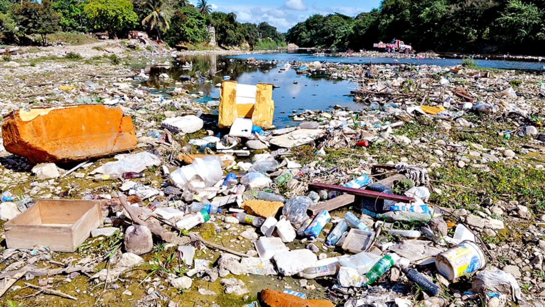 Ríos, arroyos, basura y seres humanos